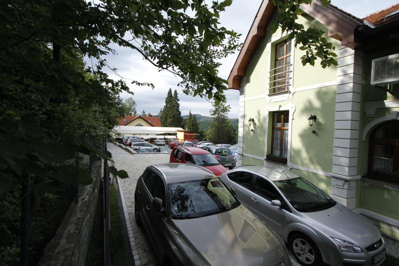 kosice-penzion-zlaty-jelen-parking